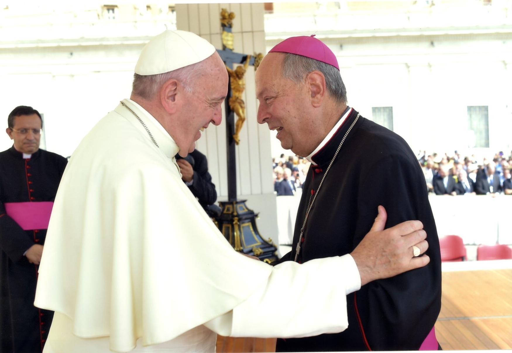 vescovo-oscar-e-papa-francesco