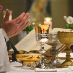 """Celebrazioni sospese fino al 3 Aprile 2020 La Santa Messa Festiva della Domenica del 15 – 22 – 29 marzo sarà celebrata alle ore 9 """"sine populo"""" e trasmessa in streaming"""